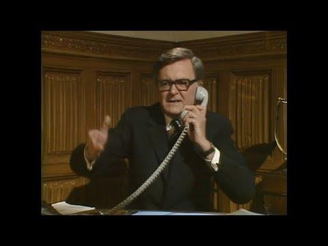 Да, господин министр, 1980-1984. Мой телевизор не работает.
