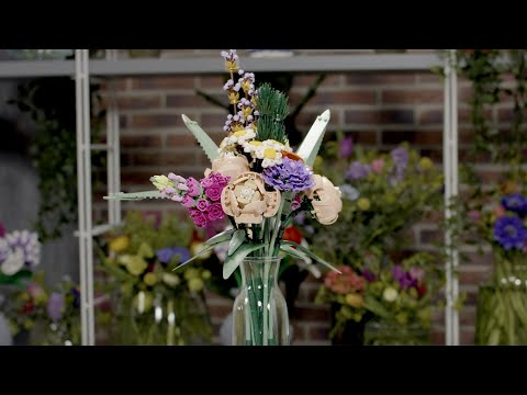 LEGO Flower Bouquet | LEGO Botanical Collection Designer Video | 10280