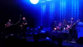 "Pixies ""Wave Of Mutilation [UK Surf]"" Live at Glasgow SECC, 04-Oct-2009"
