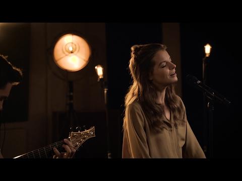 Yvonne Catterfeld  Was bleibt Akustik Video