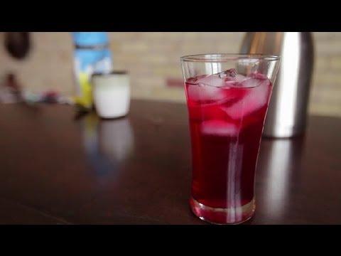 How to Make Fruit-Flavored, Iced Green Tea Drinks : Teas