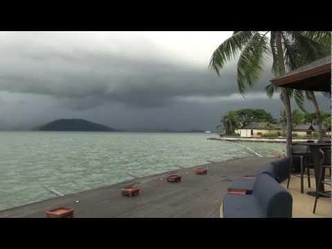 Shangri La Hotel/Jet Landing Kota Kinabalu Airport, Borneo