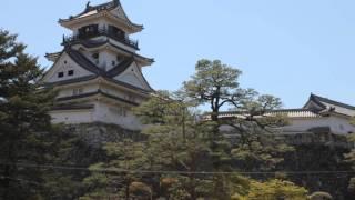 天守閣と追手門が揃っている城は少なく、高知城は両方が1枚の写真に納...