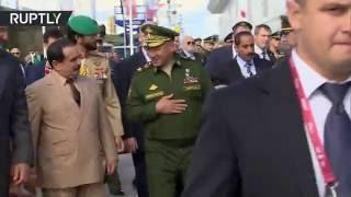 Король Бахрейна посетил военный форум «Армия-2016»