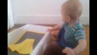 Что делать, если ребенок боится горшка(Http://airpee.weebly.com Дайте ему потрогать пустой и чистый горшок. Пусть малыш сперва освоится, изучит новый предмет..., 2013-11-01T04:14:07.000Z)