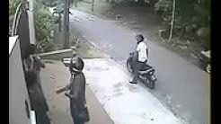 MALLU GIRLS ROBBED in BANGALORE
