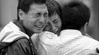 Sichuan Earthquake 2008 - Keep Holding On