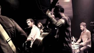 Great Lake Swimmers - Think That You Might Be Wrong (Live in Paris)