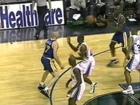 Joe Smith (Warriors) (26pts) vs. 76ers (1997)
