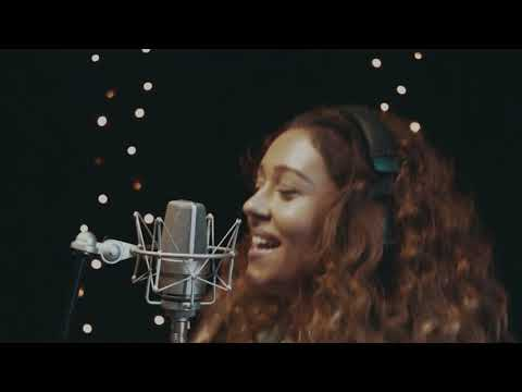 UGS Live Session 8 - Lucia Gibarti & Band ´Somebody Else´s Guy  (Jocelyn Brown Cover)´