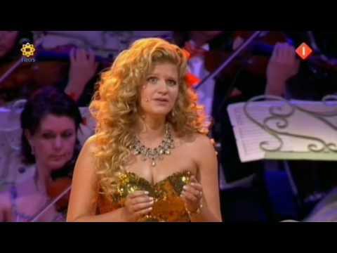 Andre Rieu & Mirusia Louwerse - Time to say goodbye 'Con te partiro' (Amsterdam Arena 2009)