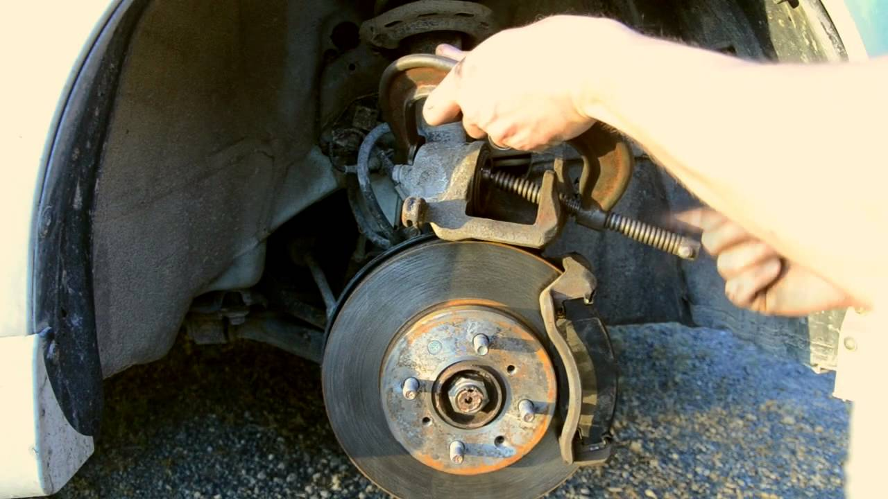 To change front brakes pads and rotors honda fit