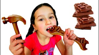 Story for Kids about Chocolate Challenge // Edible or inedible by Alice