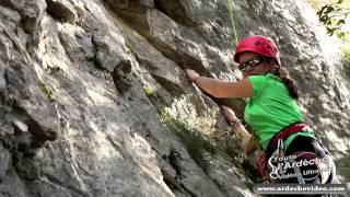 Ardèche - Escalade dans les falaises du Chassezac (4K)