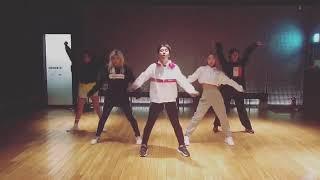 SEUNGRI (BIGBANG) JENNIE SOLO (DANCE PRATICE)