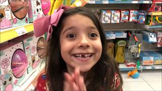 CRIANÇA VS ADULTO NO SHOPPING / Child vs Adult at the mall - ANNY E EU