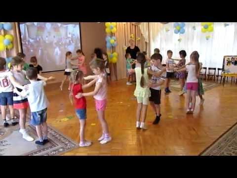 Обучение вальсу в детском саду / Евтодьева А./