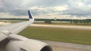 United Airlines Boeing 767-300 heavy takeoff from IAH Airport