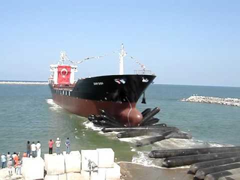 Kuru Yuk Gemisi , balonla inis // Dry Cargo Vessel Launch with Airbag