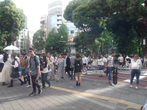 GEDC3350 2015.05.21 nikkei shibunn at ikebukuro sanshain street  lotteria with bunka housou radio.