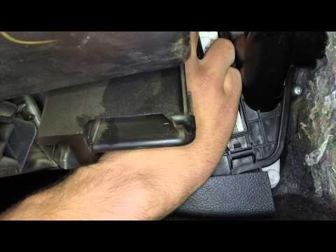 Извлечение салонного фильтра Nissan Teana II