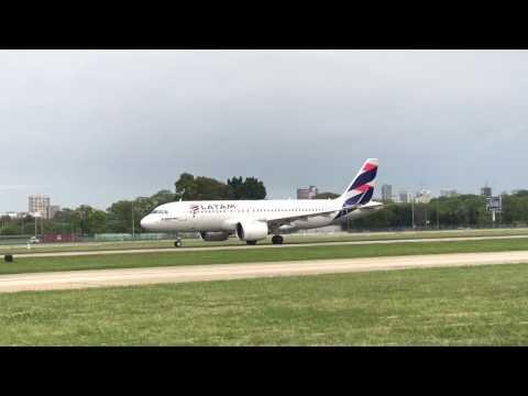 Airbus 320neo LATAM despegue