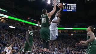 Andrew Wiggins FLIES For Strong Dunk Against the Bucks | 12.30.16