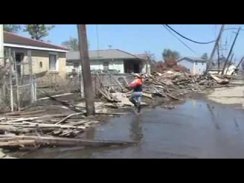 Hurricane Katrina Dog Rescue in 9th Ward thumbnail