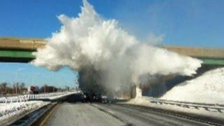 Video Snow Explodes Off Semi Truck download MP3, 3GP, MP4, WEBM, AVI, FLV Agustus 2018