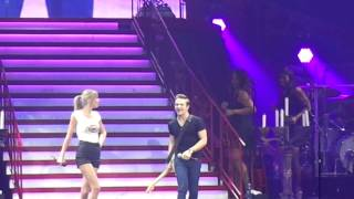 Taylor Swift & Hunter Hayes - I Want Crazy - Red Tour finale (part 1)