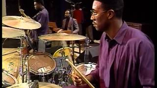 Willie Neal Johnson & the New Keynotes - With God I'm Satisfied