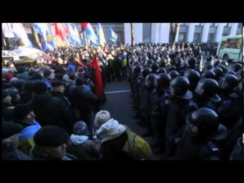 Former Presidents Warn Against Chaos In Ukraine