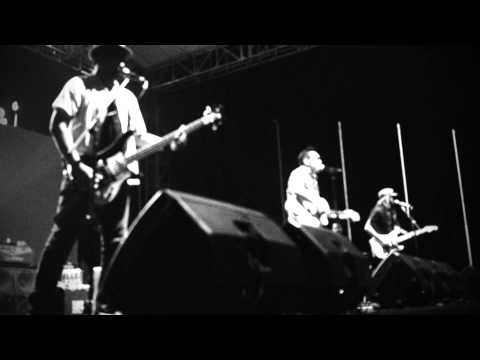 naif  - imaginary son (live at Greaser Fest 2015)