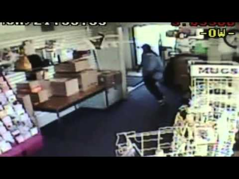 Surveillance video Buena Park armed robbery - 2010-09-01