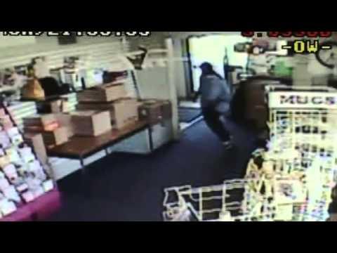 Surveillance video Buena Park armed robbery - 2010-09-01