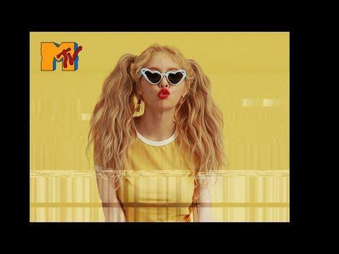 HyunA - Lip & Hip | 1980s concept