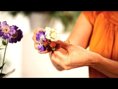 How to Pick Flowers for Pin-On Corsage | Wedding Flowers from YouTube · Duration:  2 minutes 28 seconds