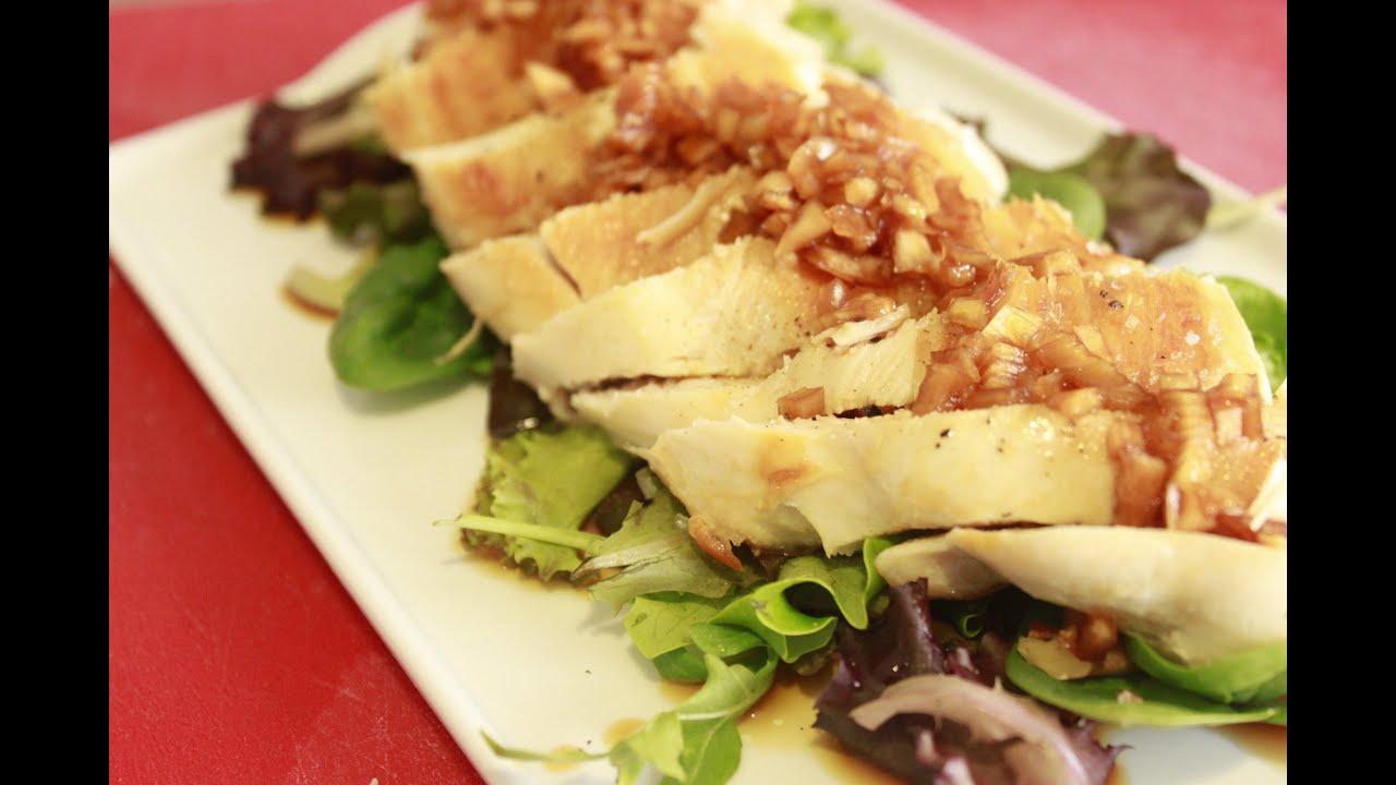 Pechuga de pollo macerada en salsa de soja con ensalada - Pechuga d pollo en salsa ...