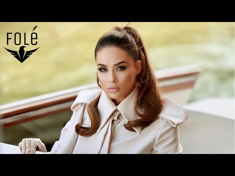Смотреть клип Xhensila Myrtezaj & Pirro Cako - Sekreti Im