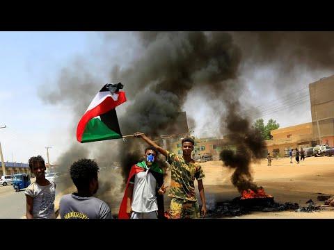 آلاف السودانيين يتظاهرون لتحقيق مطالب الثورة كاملة وتصحيح مسار الحكومة  - 19:01-2020 / 6 / 30
