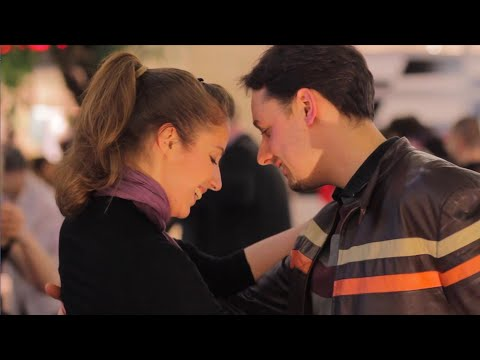 Argentine tango flash mob, Budapest (tango flashmob a la 'Tango Libre' with bandoneon & dancing)