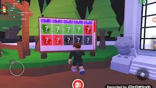 hi der I'm tj I video an roblox game 😀