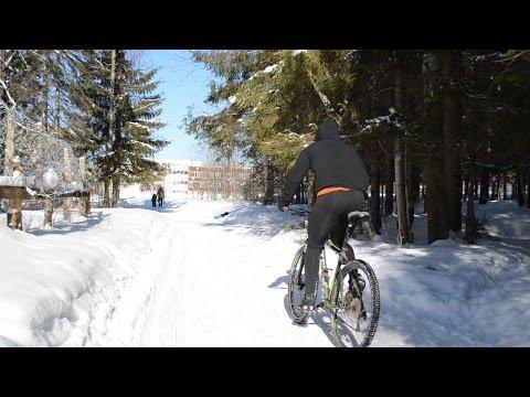 Катаешься зимой на велосипеде? Ты что больной?