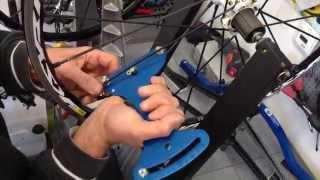 měření napnutí paprsků tensiometrem u kol Mavici