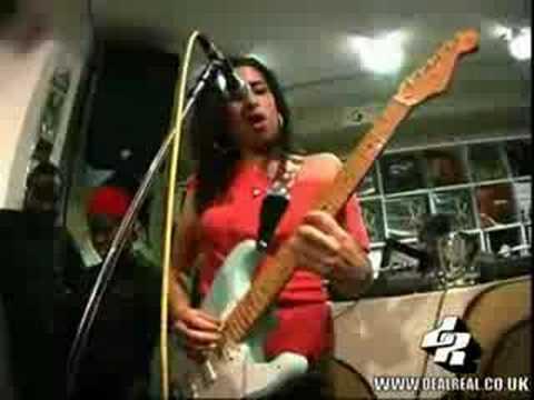 Amy winehouse guitar