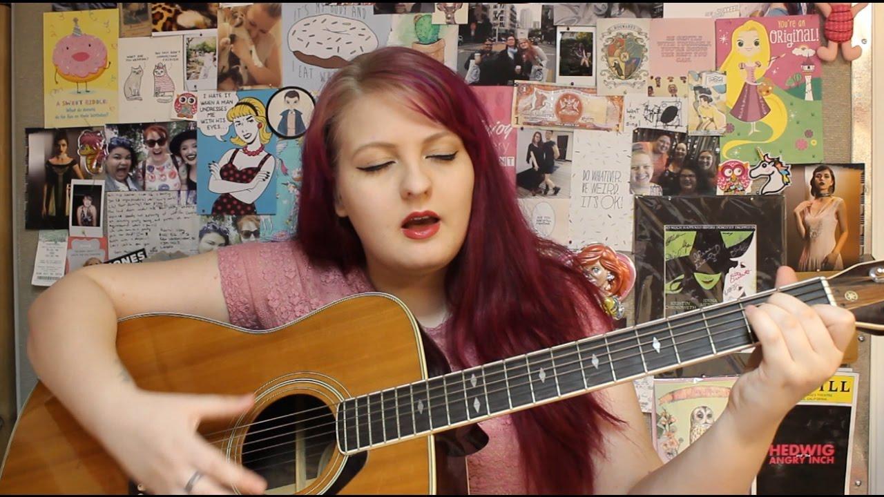 Avril Lavigne: Girlfriend (cover) - YouTube