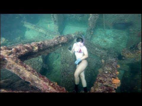 Inside a World FAMOUS SHIPWRECK!! Bimini Bahamas Fishing and Lobstering!
