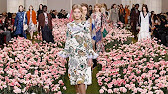 72e1a9bcbd1eb TORY BURCH SPRING 2018 RTW COLLECTION - YouTube
