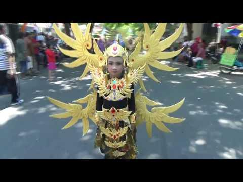 Karnaval SD kertosono 2017--meriah-heboh (Volume 2)