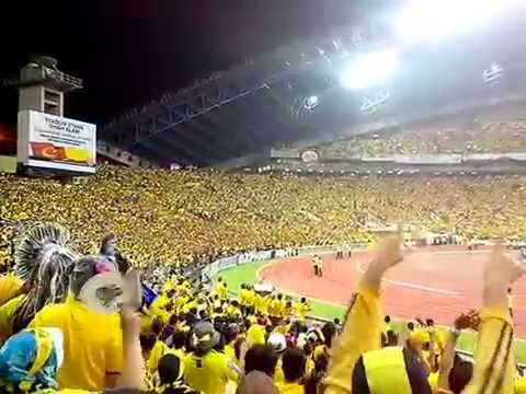 Go ale ale.... pahang supporters @stadium shahalam